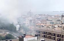 Incendio en una casa abandonada detrás de la antigua Chartreuse de Tarragona