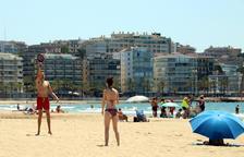 El sector turístic diu estar desemparat per totes les administracions mentre s'enfonsa
