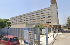 Aïllen l'hospital de la Santa Creu de Tortosa després de confirmar-se sis positius de covid-19