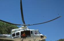 Els Bombers rescaten amb l'helicòpter una dona ferida a les Borges del Camp