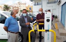 La Generalitat pone en marcha tres puntos de recarga de vehículos eléctricos en el Ebro