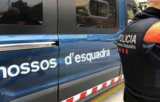 Dos detinguts a Roda de Berà per tinença d'armes i amenaces