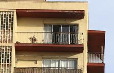 Deu habitatges afectats per l'explosió a IQOXE encara  no han estat reparats