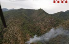 Un rayo provoca un incendio en una montaña de Prat del Compte