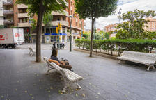 Los vecinos de Pere Martell denuncian estar hartos de la degradación de la zona