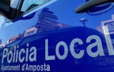 Imatge d'un vehicle de la Policia Local d'Amposta.