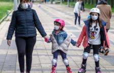 Un estudi assenyala que les nenes s'adapten millor al confinament que els nens