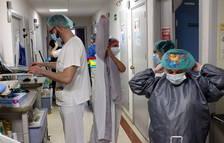 53 nous contagis i una nova defunció per covid a la demarcació de Tarragona