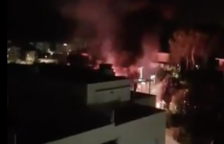 Susto en Segur de Calafell por un incendio en una vivienda donde se almacenaban productos químicos