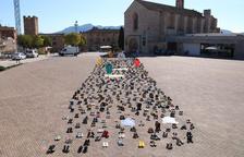 Montblanc s'omple amb més de 1.500 sabates per deixar petjada en una Diada atípica