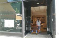 Tanca la botiga Massimo Dutti de la Rambla i Punto Roma ho farà a l'octubre