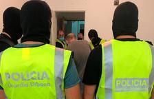 Mossos y Guardia Urbana desmantelan el principal punto de venta de droga de Campclar
