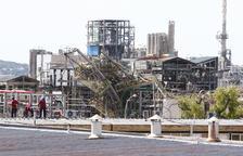 La planta de IQOXE que explotó, en proceso de desmantelamiento