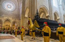 Tarragona vive un momento histórico con el baile del àliga y el lleó en la catedral