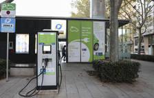 L'estació de recàrrega de la plaça de la Llibertat és una de les dues de ràpides que té Reus.