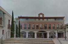 Façana de l'Ajuntament d'Alcanar.
