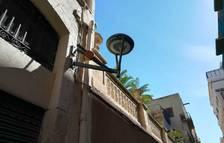 Canvis al carrer Cervantes de Tarragona per evitar que els camions trenquin els fanals