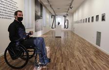El fotógrafo sufrió una agresión en Barcelona en el 2001 que lo dejó en silla de ruedas.