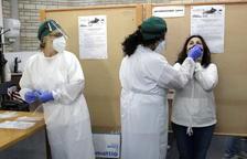 Espanya supera la barrera dels 900.000 contagiats de covid-19 amb 11.970 nous positius i suma 209 morts més