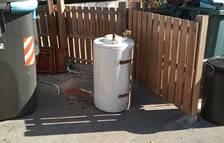 Imatge de l'escalfador que es va trobar a l'illa de contenidors