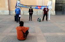 Les persones que han participat en la protesta a Tortosa per denunciar les privatitzacions i per defensar la sanitat pública