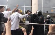 La jueza que investiga el 1-O en Manresa exige de la Guardia Civil colaboración para identificar los agentes