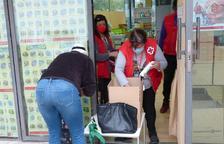 Creu Roja Salou reparteix sis tones d'aliments