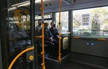 Queixes dels usuaris del bus urbà de Reus per la manca de distància entre seients