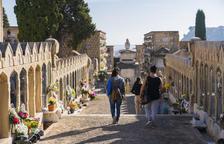 La jornada de Tots Sants es viu sense aglomeracions al cementiri de Tarragona