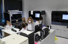 El laboratori del Joan XXIII augmenta la seva capacitat fins a 3.000 proves PCR diàries