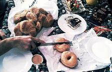 Menjar greixos i sucres ultraprocessats contribueix a tenir dolor muscular, segons un estudi de la URV