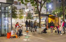 Veïns que teletreballen es queixen de molèsties pels músics de carrer
