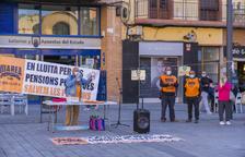 Membres de Marea Pensionista, ahir a la plaça Corsini.