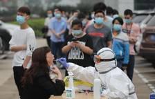 Un any de coronavirus: 82 milions de contagis i 1,8 milions de morts