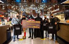 Todos en azul recapta 2.003 euros amb la venda de galetes solidàries a Tarragona