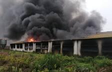 Estabilitzat l'incendi d'una granja abandonada entre Riudoms i Reus