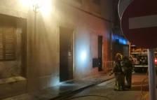 Incendio durante la madrugada en una planta baja en Tortosa