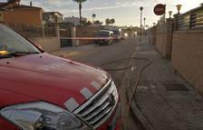 Els Bombers confinen dos habitatges d'Amposta per una fuita de gas propà