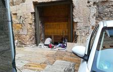 El cristal de la puerta romana de la calle Ferrers de Tarragona llegará en enero