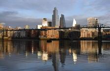 El Regne Unit notifica 54.990 nous casos de covid-19
