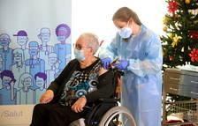 La vacunació de la gent gran farà caure la mortalitat un 60% a Espanya al maig