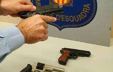Detingudes tres persones per dos robatoris amb intimidació en establiments del Morell