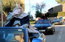 Els Reis Mags arriben a l'Arboç amb cotxes descapotables