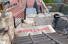 Sancionados tres menores por hacer pintadas en el entorno del puente rojo de Tortosa