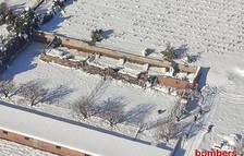 Se hunde parte de la cubierta de una granja en Falset por la acumulación de nieve