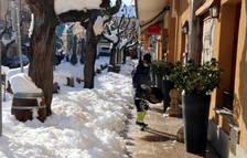 Las bajas temperaturas congelan la nieve y dificultan la movilidad en el interior del Camp de Tarragona