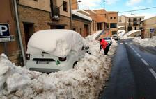 La Terra Alta batalla contra el gel mentre encara es treuen dels carrers els cúmuls de neu