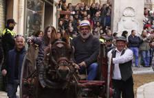 Sant Antoni es passejarà amb el carro, la bandera i el penó de Valls