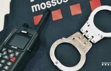 Una festa il·legal al local d'un club de rugbi acaba amb un altercat amb la policia i tres detinguts