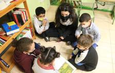 Imatge d'arxiu d'un grup d'alumnes de l'Escola Popular de Manresa.